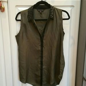 Rock Republic Sleeveless to with Silver accents M